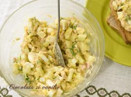 Salata cu oua fierte si ton