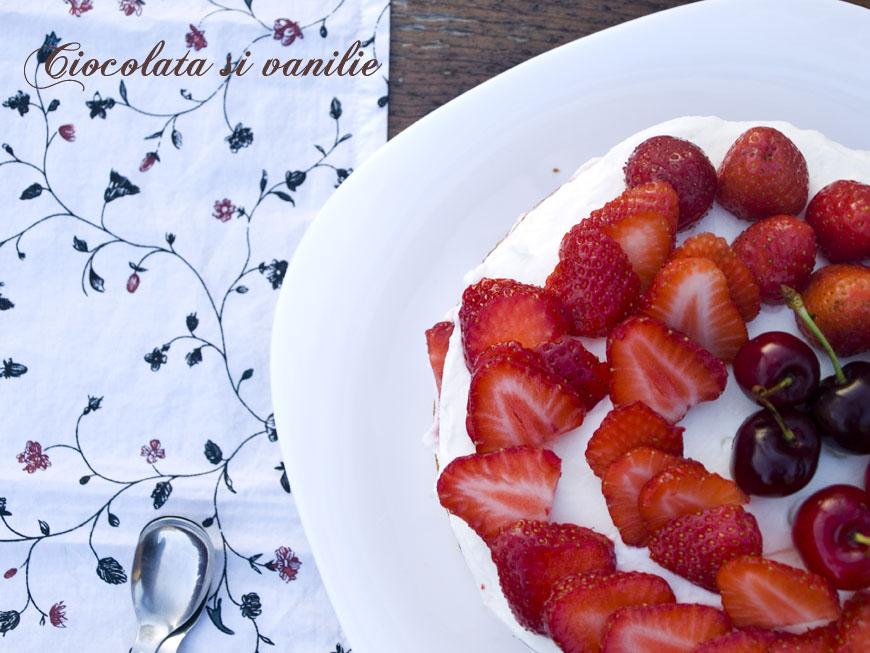 Naked cake…cu mascarpone, căpșune, vanilie