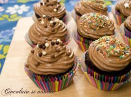 cupcakes devil's food cu mousse de ciocolata
