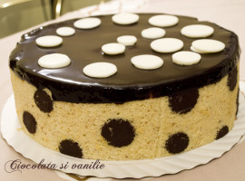 tort cu glasaj lucios