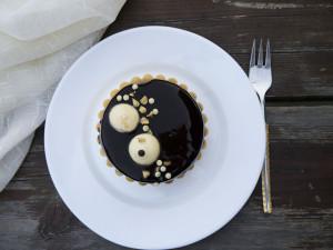 tarta cu pere, caramel cu nuca si mousse de vanilie