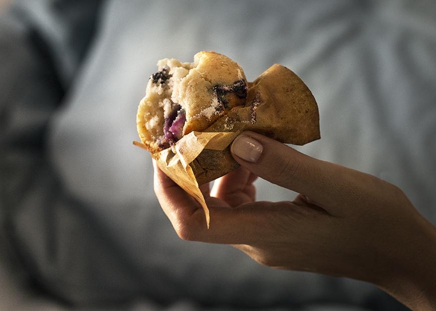 Dimineți și muffins cu afine