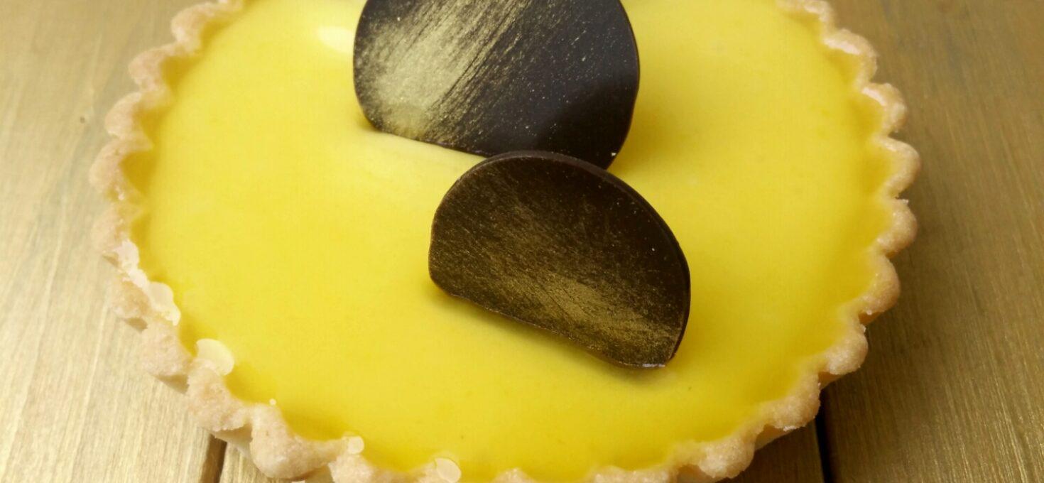 Pasiunea pusă într-o tartă cu cremă de fructul pasiunii