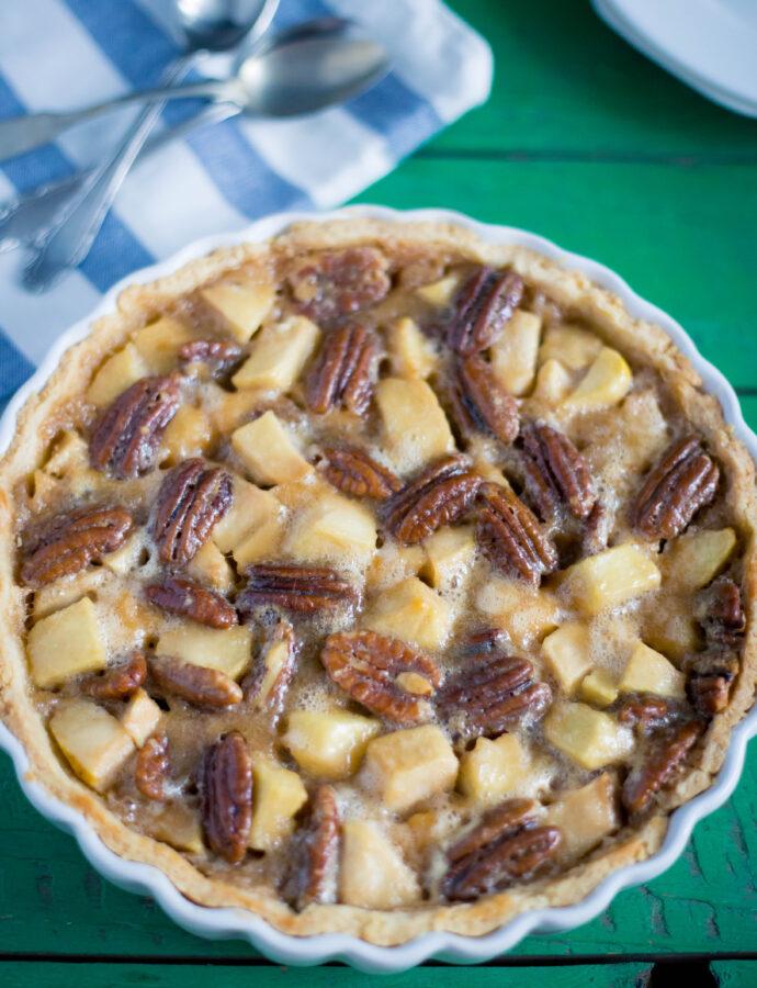 Tartă cu mere, nuci pecan și caramel