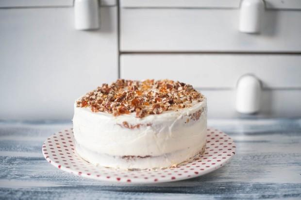 Carrot cake -Tort cu morcovi si crema de branza