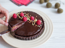 tartă cu zmeură și ciocolată