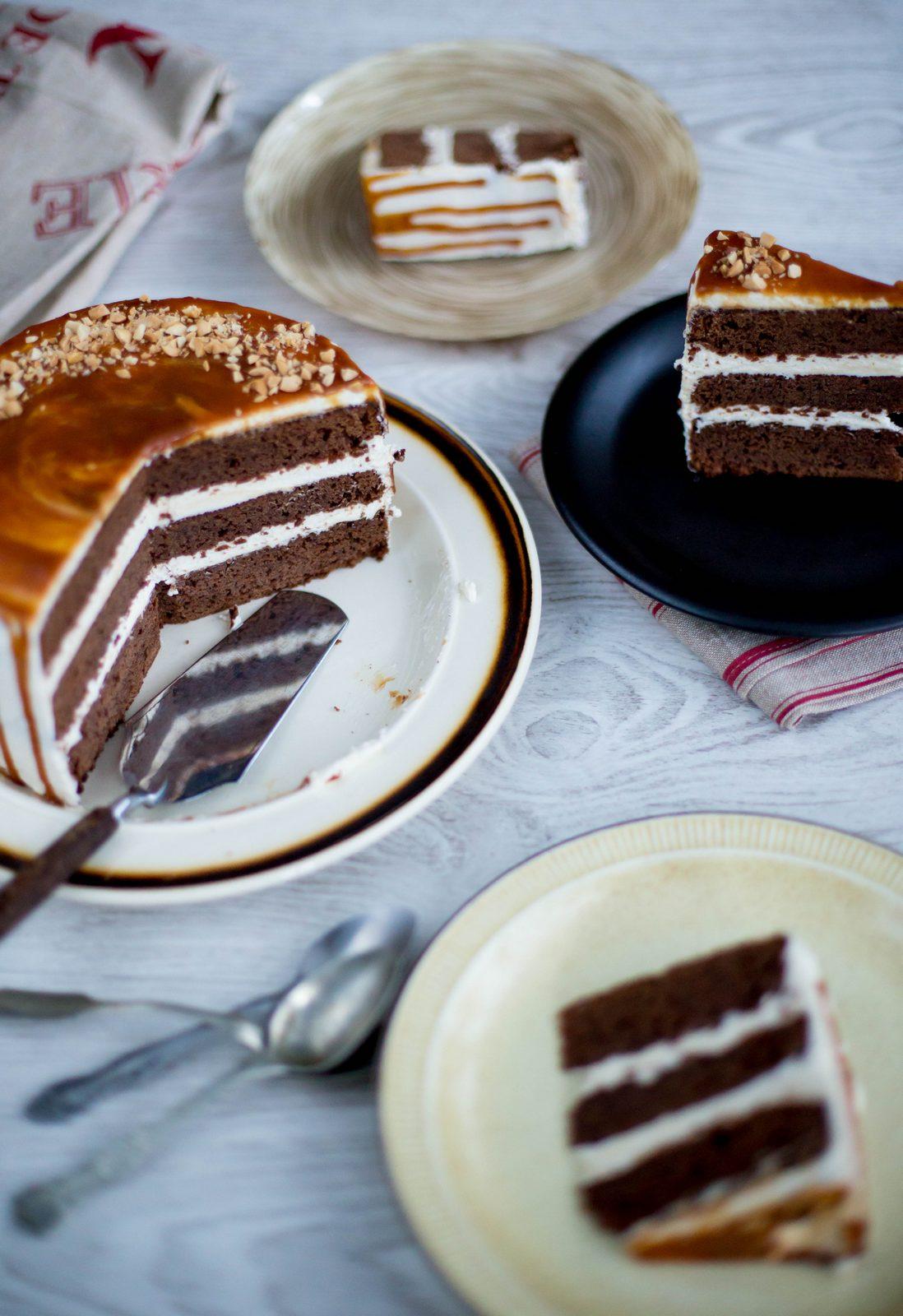 Tort cu ciocolată rozmarin și caramel