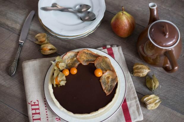 Tartă cu pere și ciocolată