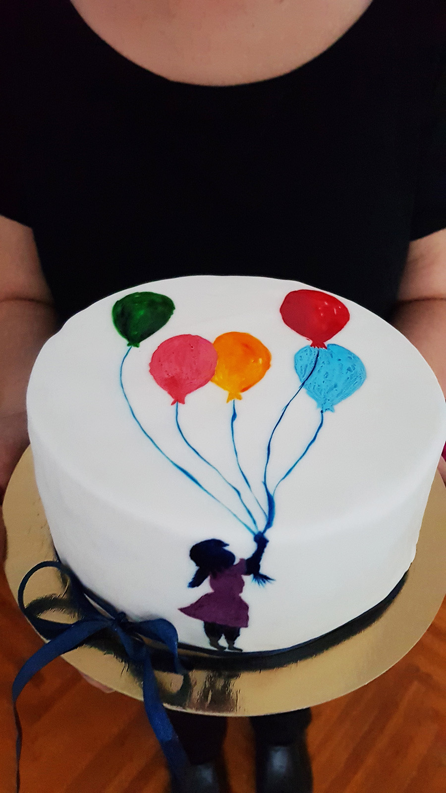 tort pictat cu pasta de zahar