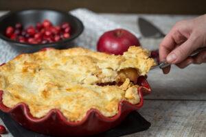 plăcintă cu mere și merișoare