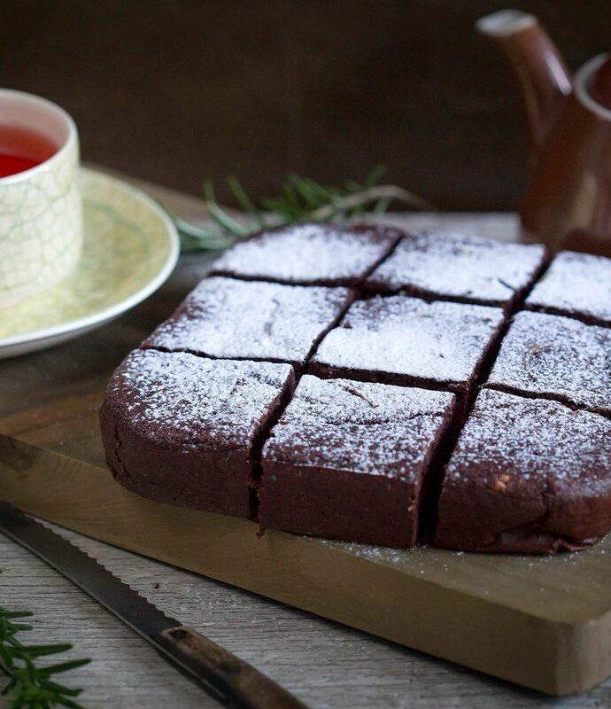 Prăjitură cu piure de castane și rozmarin (fără gluten)