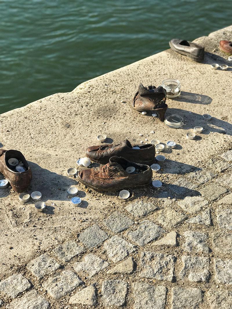 Budapesta_Pantofii de pe promenada
