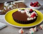 tartă cu spumă de căpșuni și ciocolată