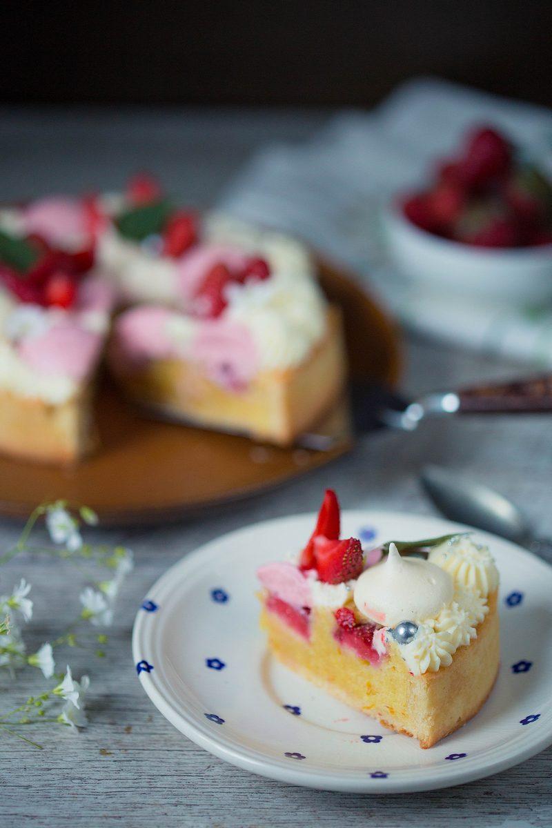 tartă cu căpșuni și mascarpone