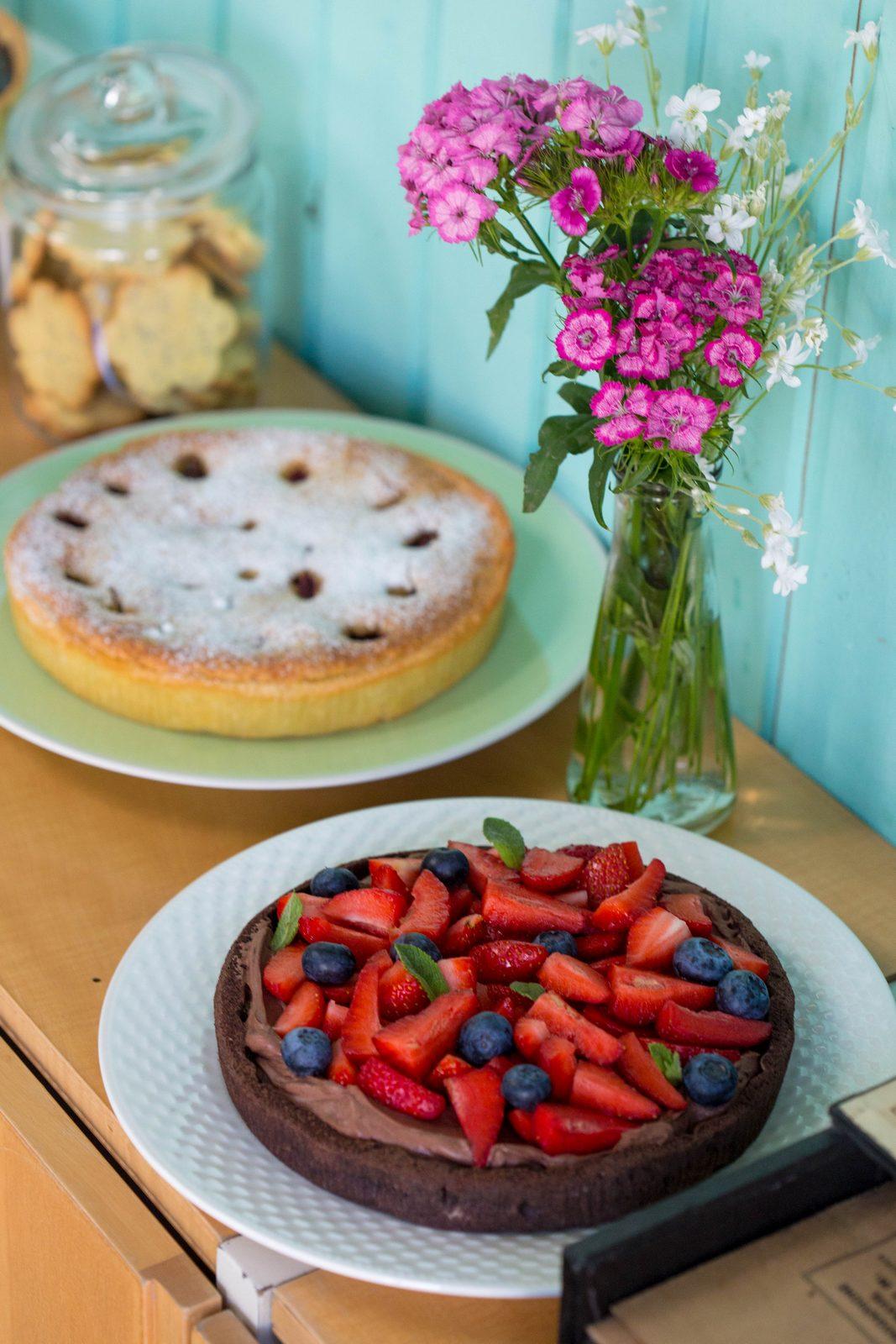 tarta cu crema mascarpone si fructe