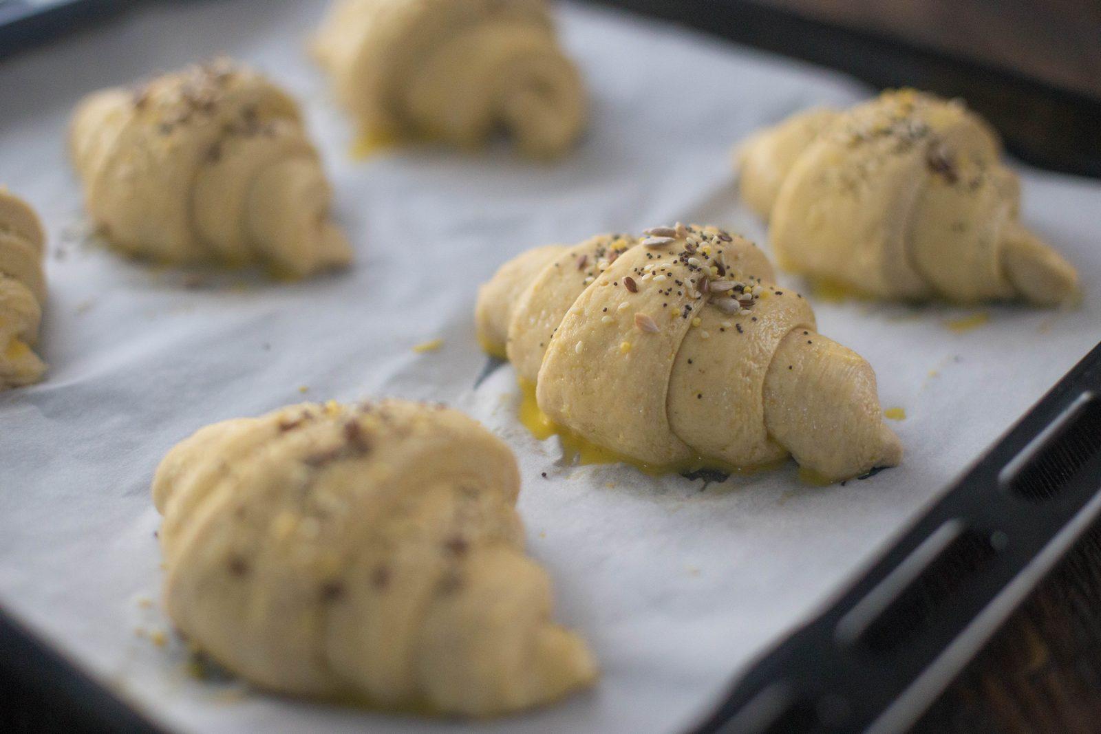 croissante cu secară și semințe