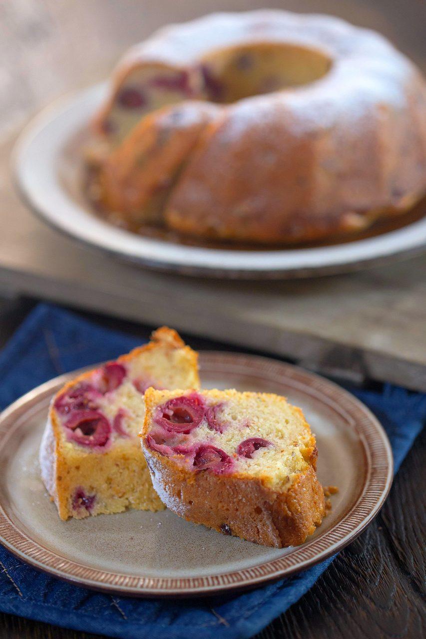 prăjitură cu vișine și iaurt