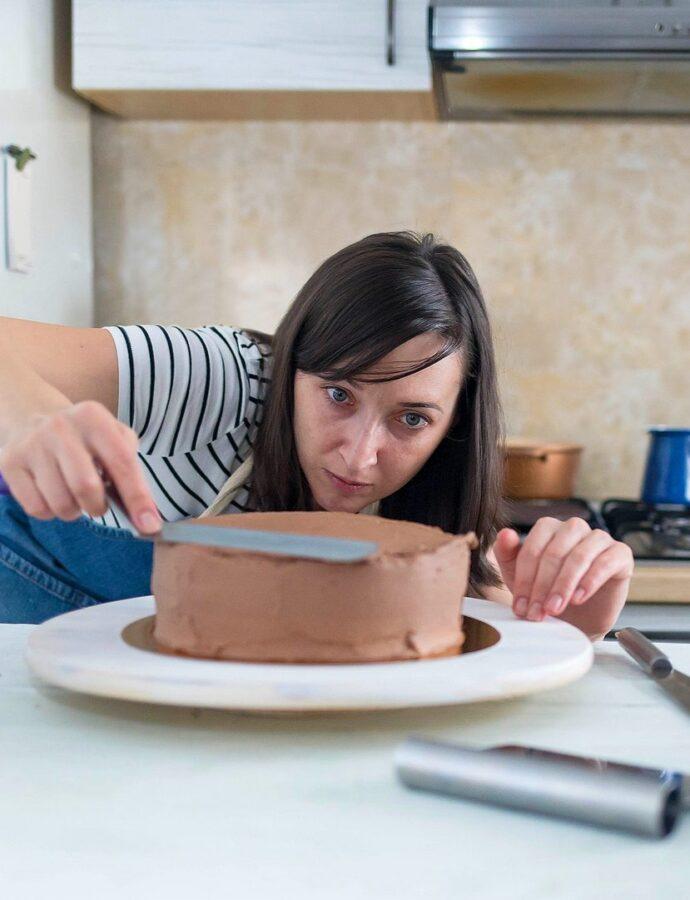 Cât de mare fac un tort. Cum să îți calculezi porțiile ca să ajungă la toată lumea