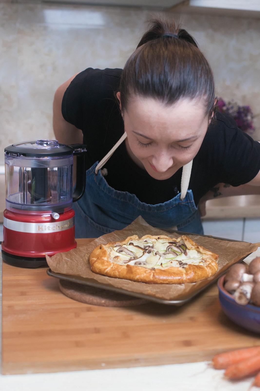 tartă rustică umplută cu ricotta și legume