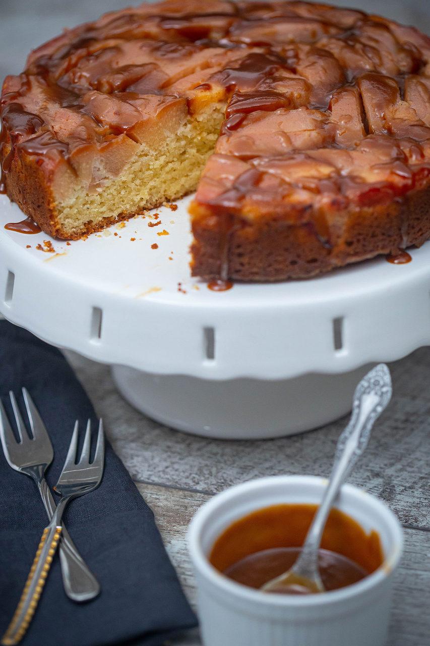 prăjitură răsturnată cu gutui
