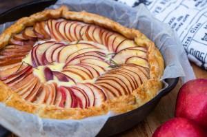 tartă cu mere, ricotta și rozmarin