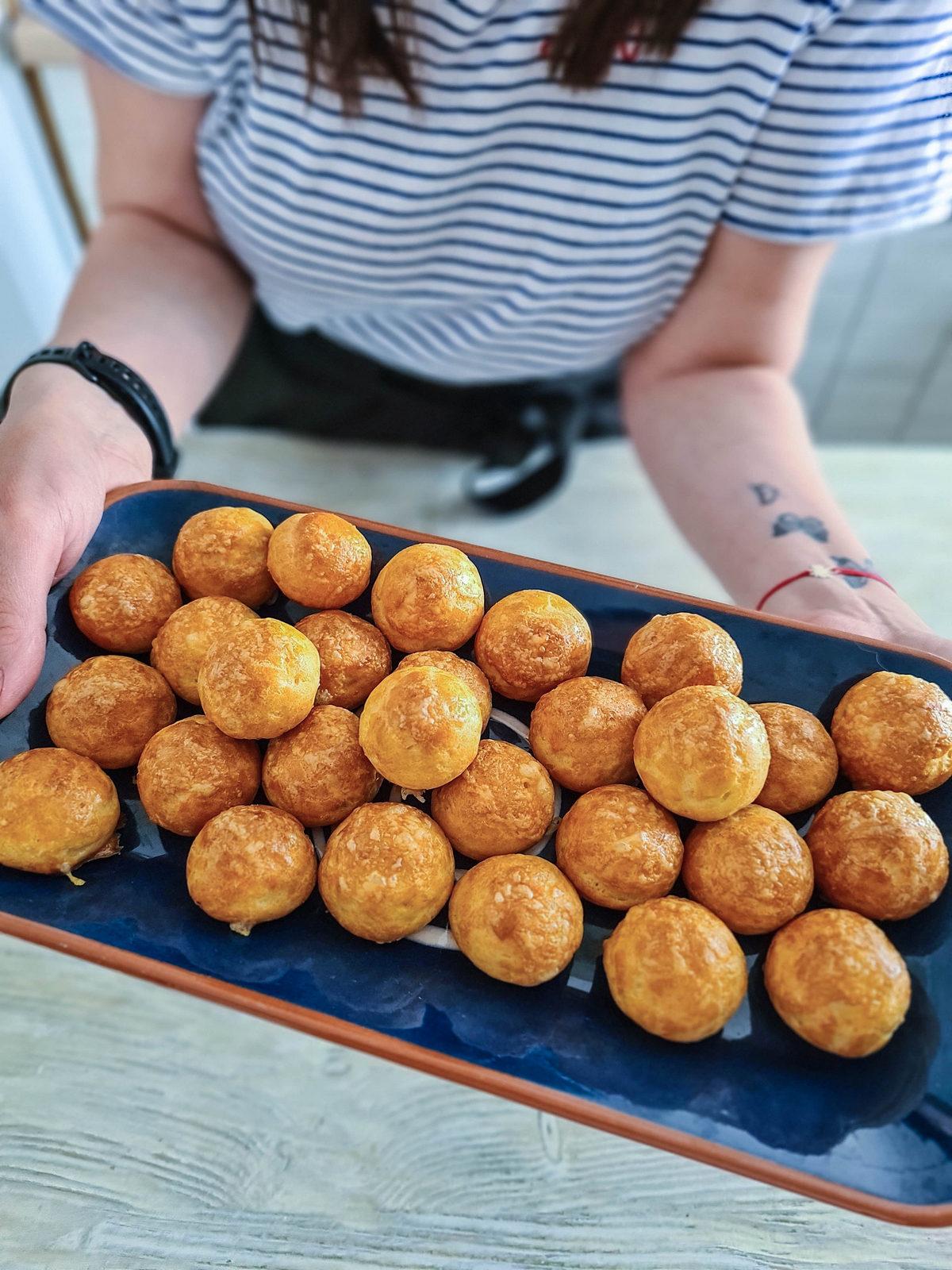 Gougères – cele mai bune gustări cu brânză