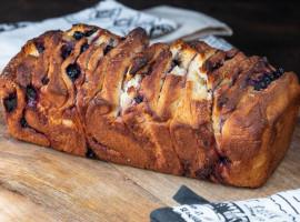 pâine dulce (pull-apart bread)