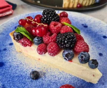 Cea mai frumoasă tartă de vară. Cu vanilie și fructe de pădure