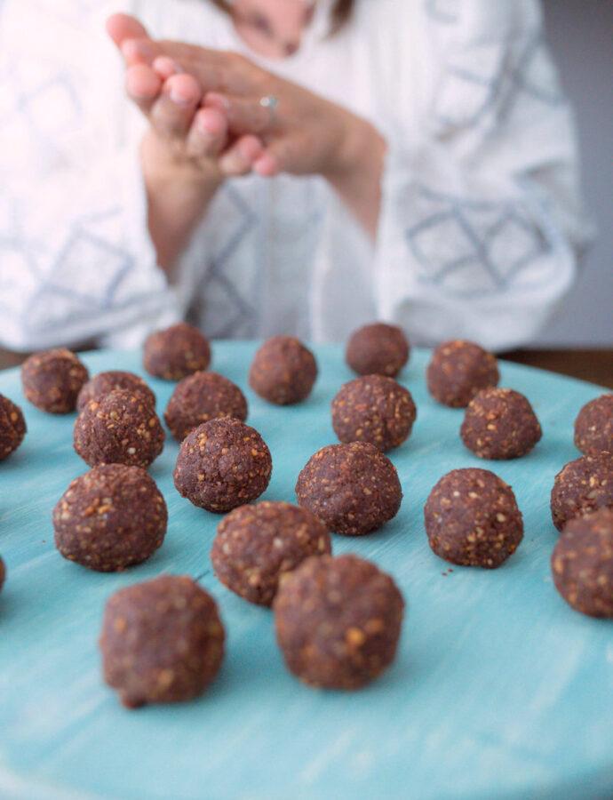 Prăjiturele cu vișine din vișinată