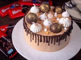 tort cu ciocolată și vin roșu