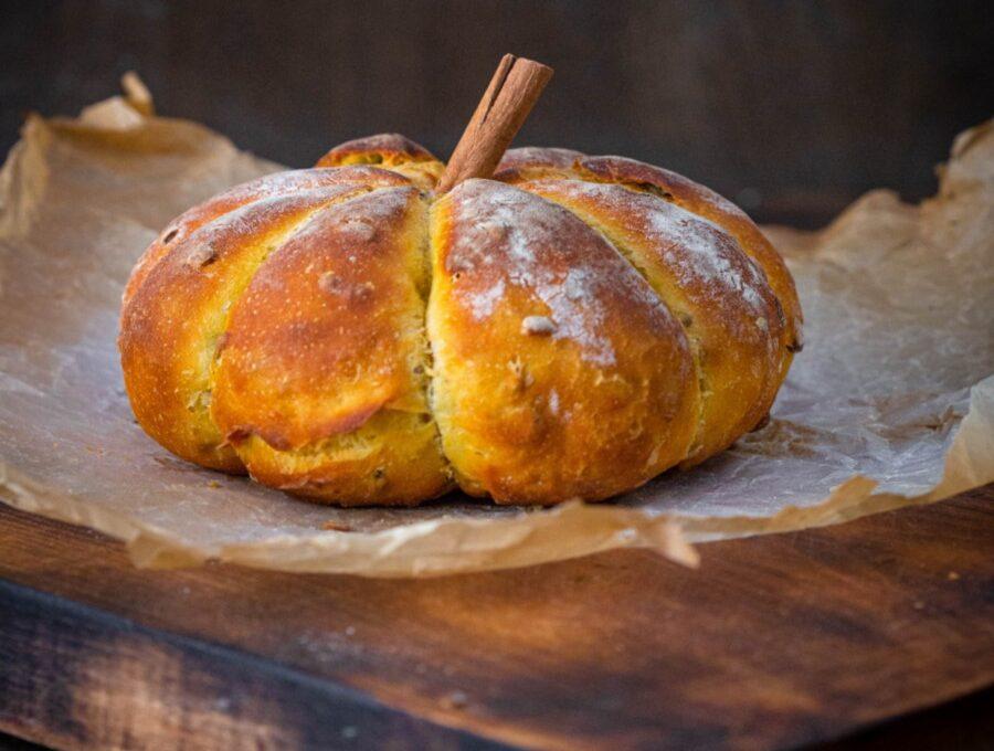 Pâine fără frământare cu dovleac